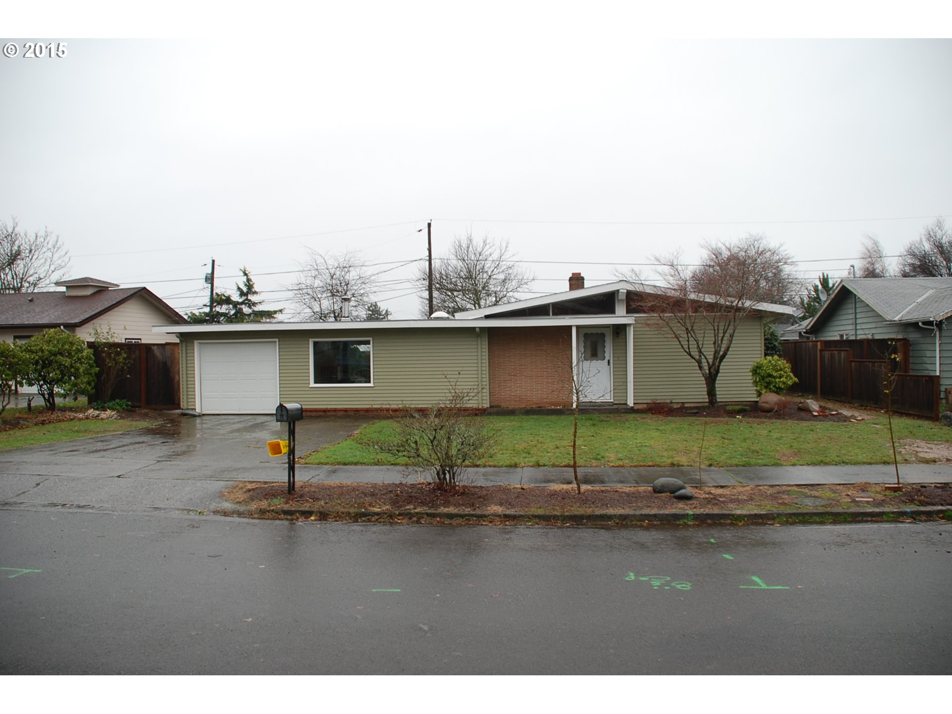 13763 NE Thompson St, Portland, OR