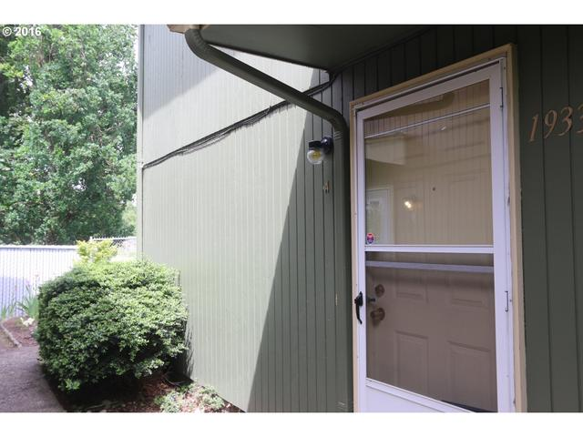 1933 W 17th Ave A #APT A, Eugene, OR