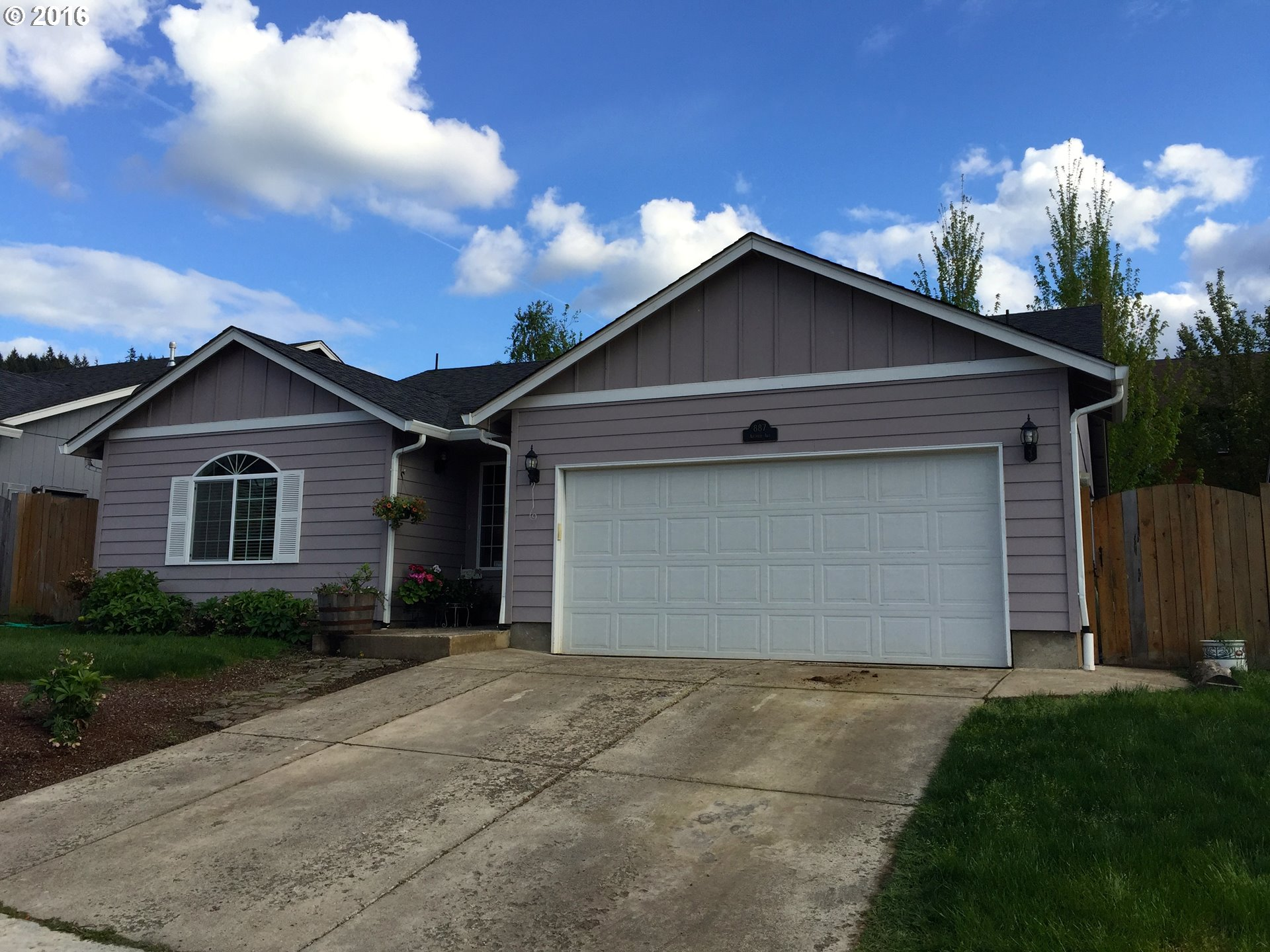 887 Arthur Ave, Cottage Grove, OR