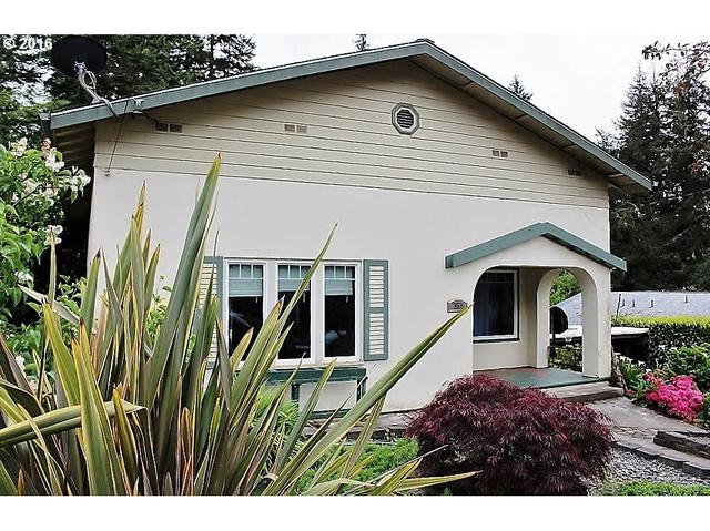 757 S 1st Ave, Coquille, OR