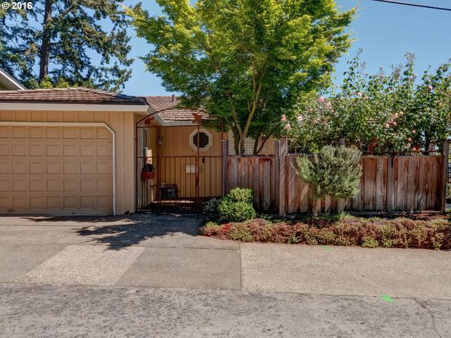 7230 SW La View Dr, Portland OR 97219