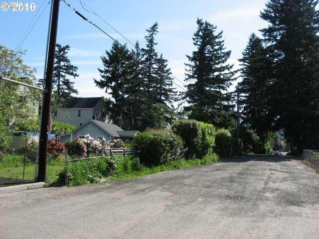 12333 SE Schiller St, Portland, OR