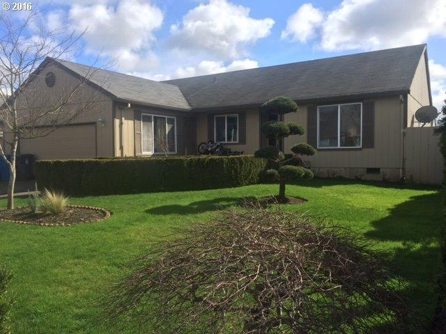 1066 Country Ln, Woodburn OR 97071