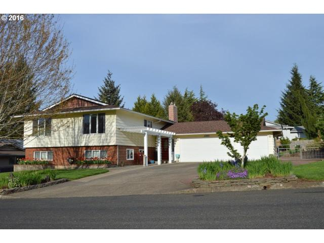 15860 S Wilshire Cir, Oregon City OR 97045