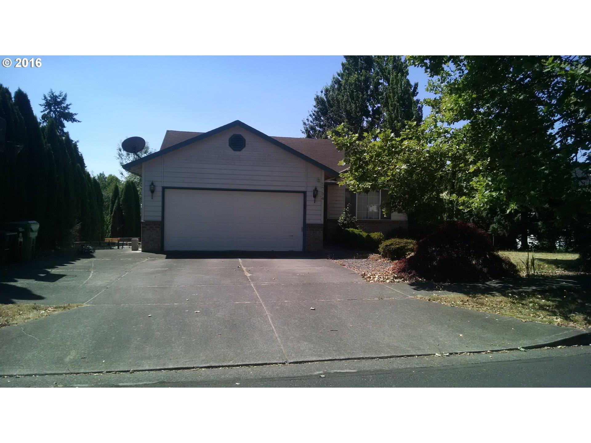 5754 SE Pine St, Hillsboro, OR