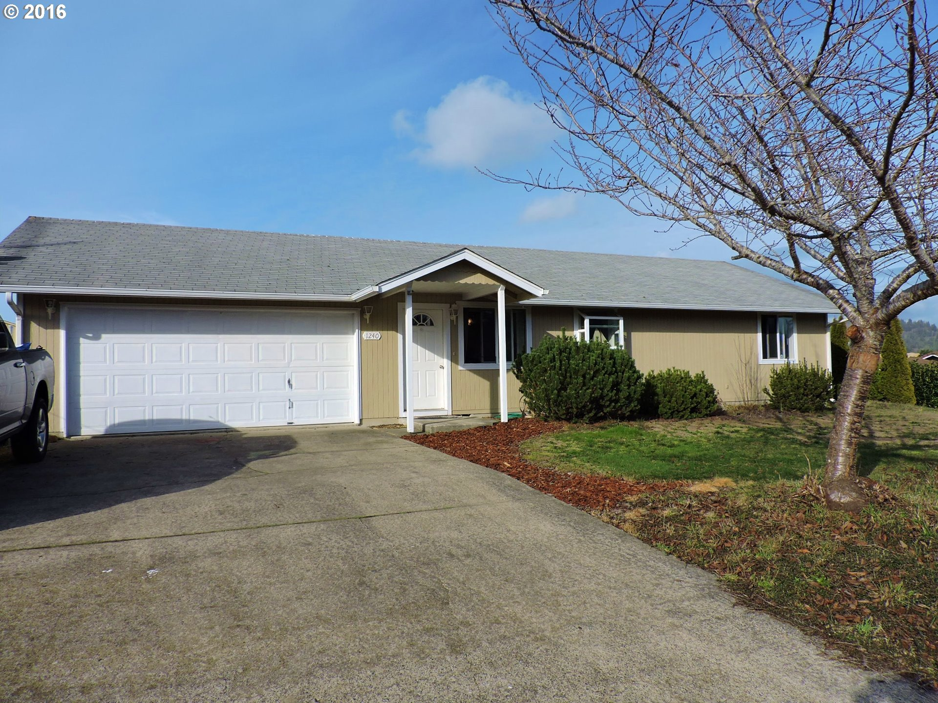 1240 Willow Ct, Florence, OR