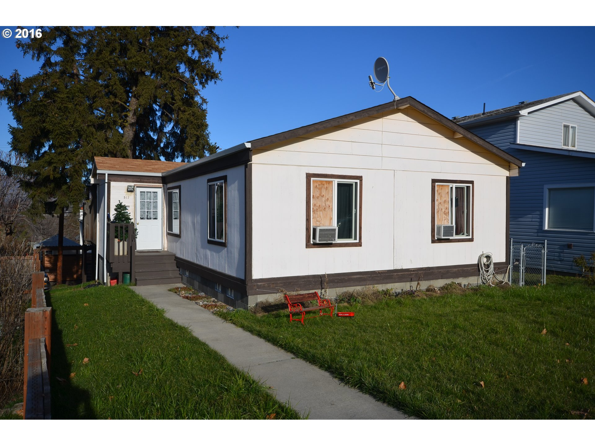 517 W 14th, The Dalles, OR