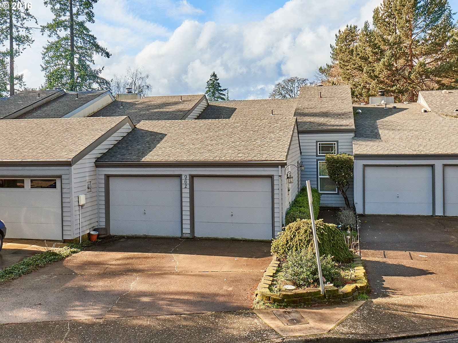 962 NW 11th St, Mcminnville, OR