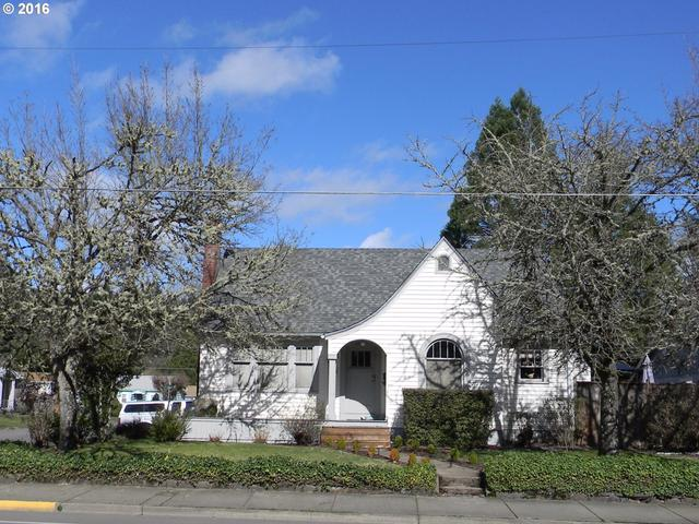 1548 W Main St, Cottage Grove, OR