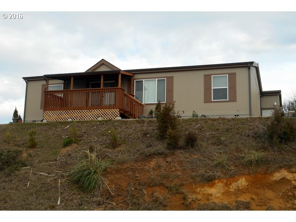 1015 Plymouth Ave, Coos Bay, OR