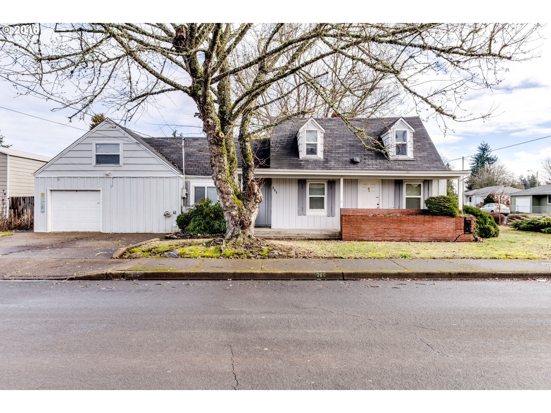 285 S 37th St, Springfield, OR