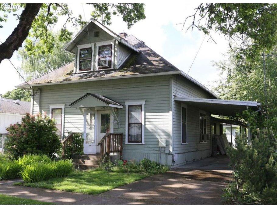 1207 E 7th St, Newberg OR 97132