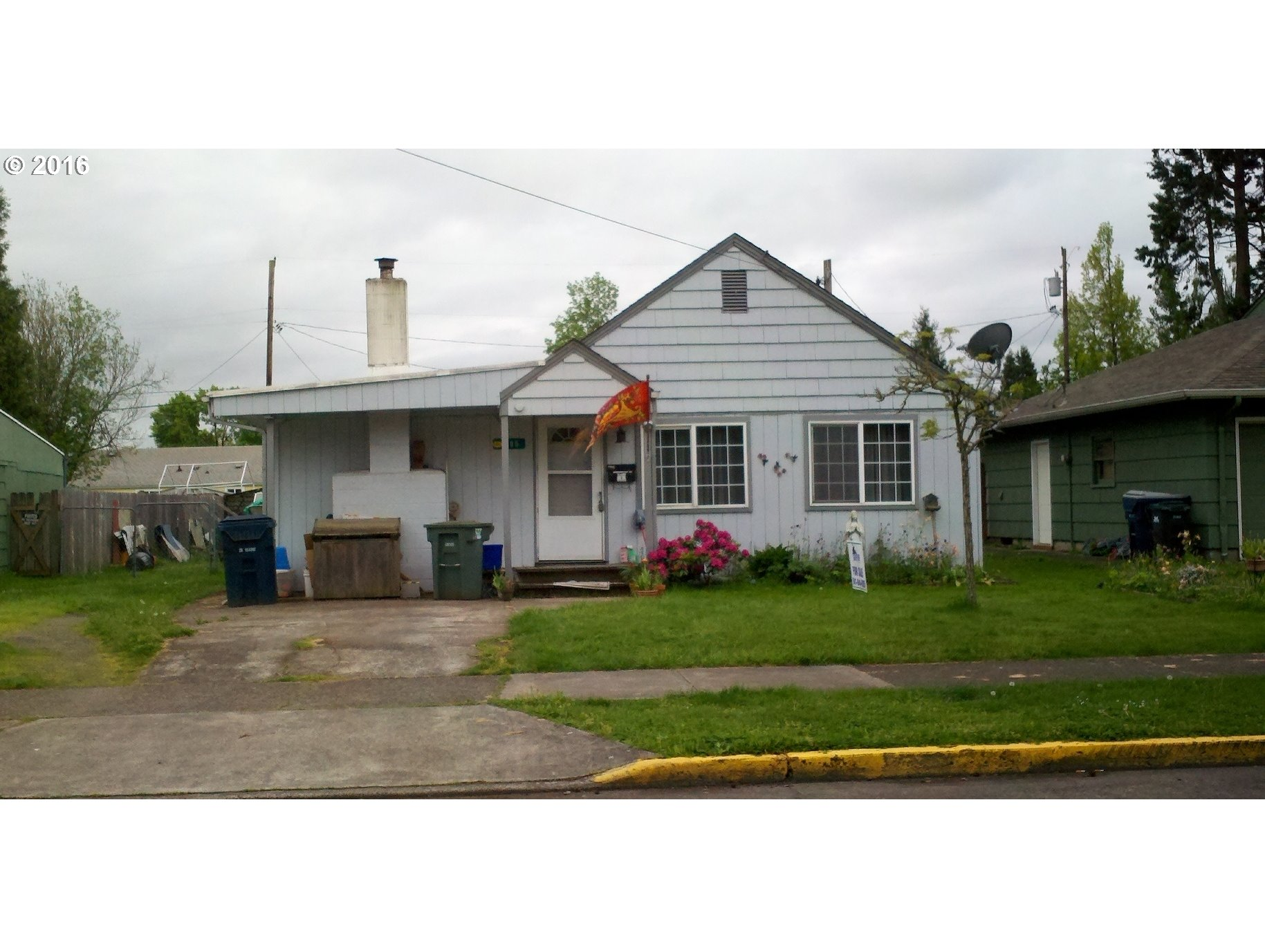 1805 J St, Springfield, OR