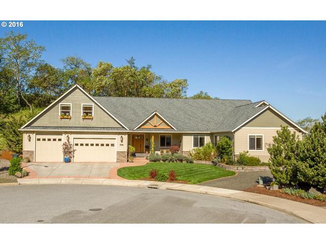 1536 NE Vista Fe Ct, Roseburg, OR