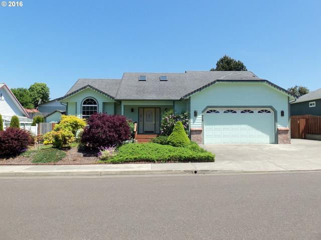 939 Seagate, Coos Bay OR 97420
