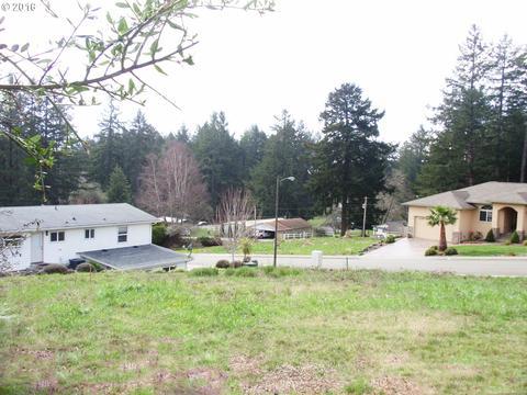 7167 Vista Ridge Dr, Brookings, OR 97415