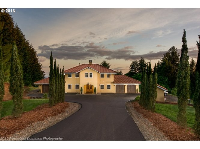 17880 NE Fairview Dr, Dundee OR 97115