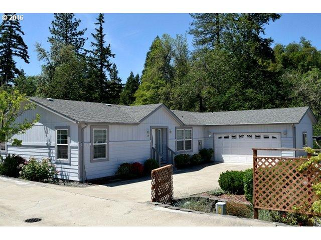237 Knoll Terrace Dr, Canyonville, OR