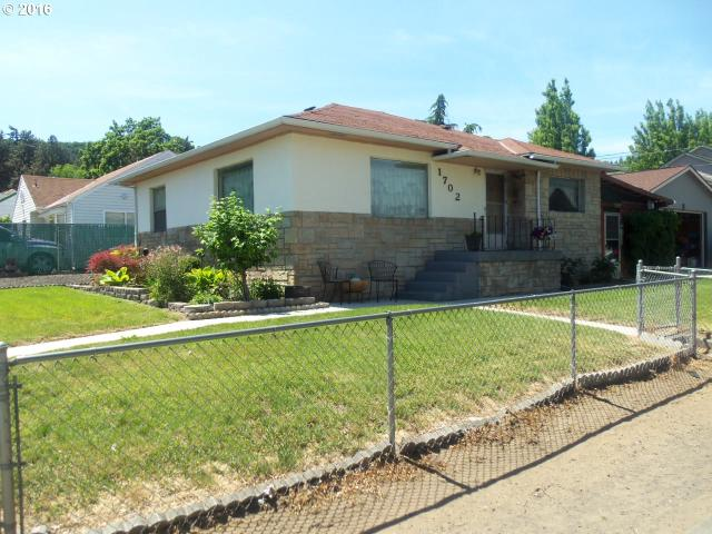 1702 W 10th, The Dalles, OR
