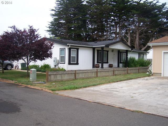 360 June Ave, Bandon, OR