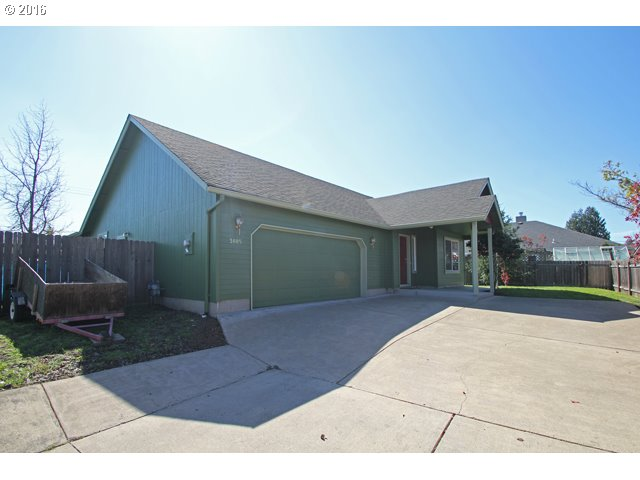 3885 Pinyon St, Springfield OR 97478