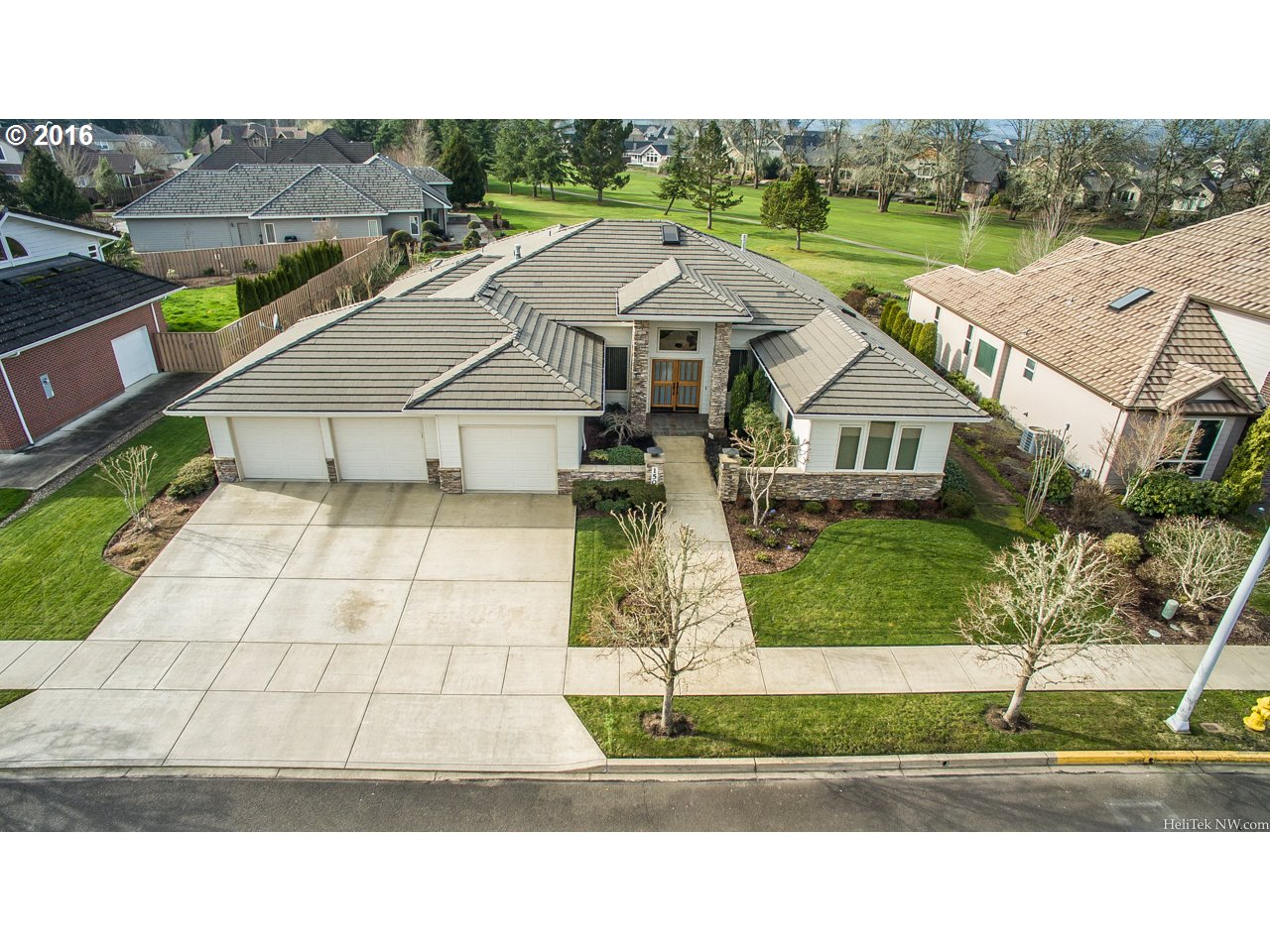 1501 NW Medinah Dr, Mcminnville, OR