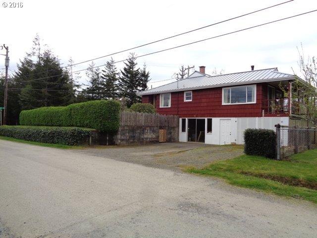 63478 S Spring Rd, Coos Bay OR 97420