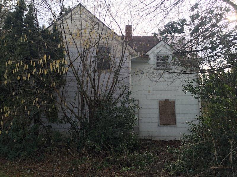 8626 SE Washington St, Portland, OR