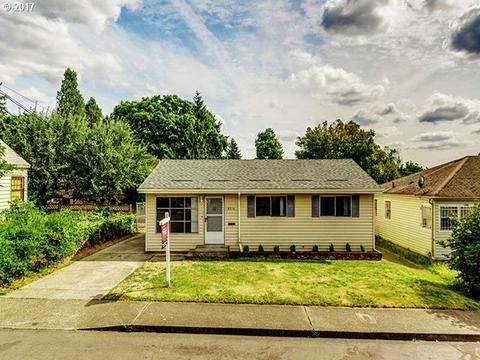 8316 SE Schiller St, Portland, OR 97266