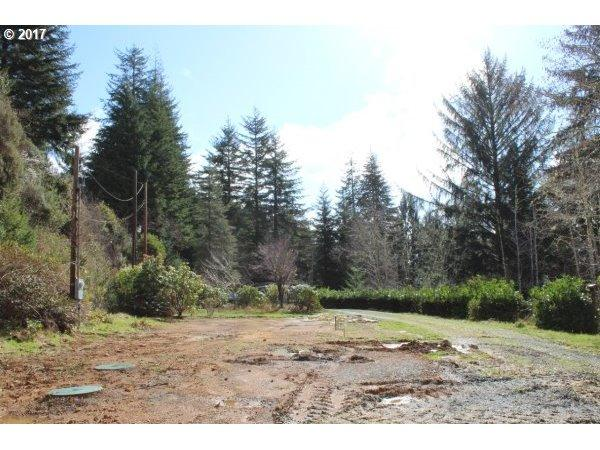 63372 Sierra Rd, Coos Bay, OR 97420
