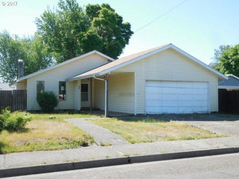 418 36th St, Springfield, OR 97478