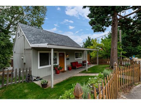 615 Mount Hood St, Oregon City, OR 97045