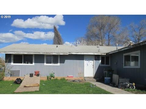 Terrific 12 Klamath Falls Homes For Sale Klamath Falls Or Real Home Interior And Landscaping Ponolsignezvosmurscom