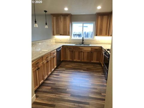 732 Lincoln Rd Grants P Or 97526
