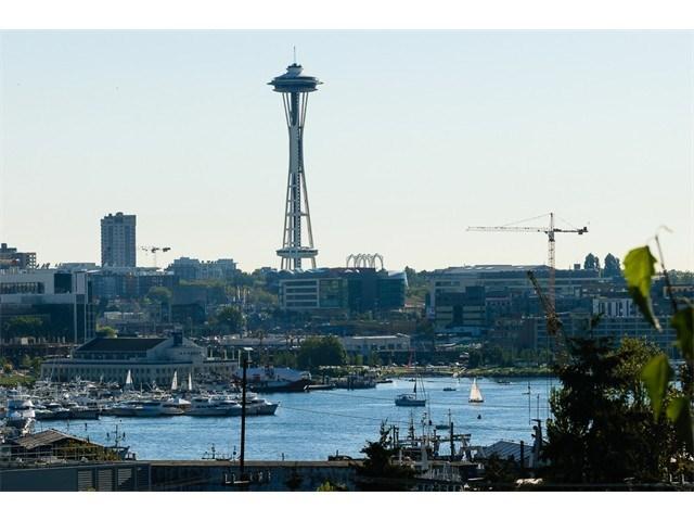 1906 Franklin Pl #APT 203, Seattle, WA
