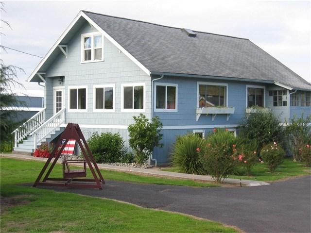 257 W Little Island Rd, Cathlamet, WA