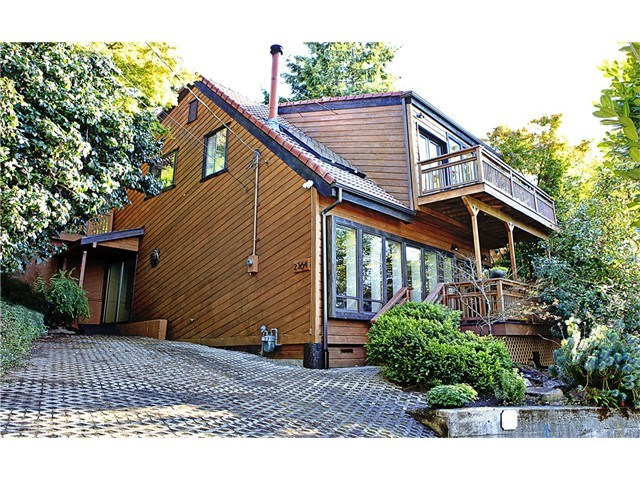 2364 Hobart Ave, Seattle, WA