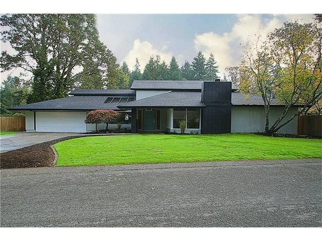 12215 Oak Tree Pl, Lakewood WA 98498