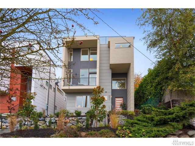 3273 37th Ave, Seattle, WA