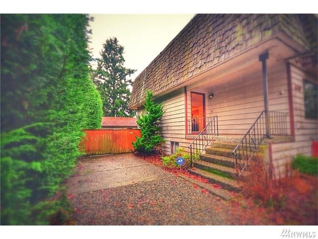 413 N 127th St, Seattle WA 98133