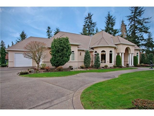 128 Country Club Cir, Lakewood WA 98498