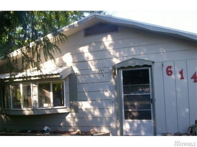 614 Golden St Oroville, WA 98844
