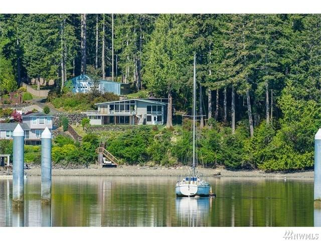 8992 Misery Point Rd, Seabeck, WA