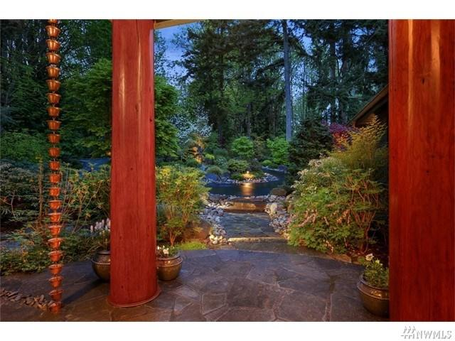 10041 NE Point View Dr, Bainbridge Island, WA