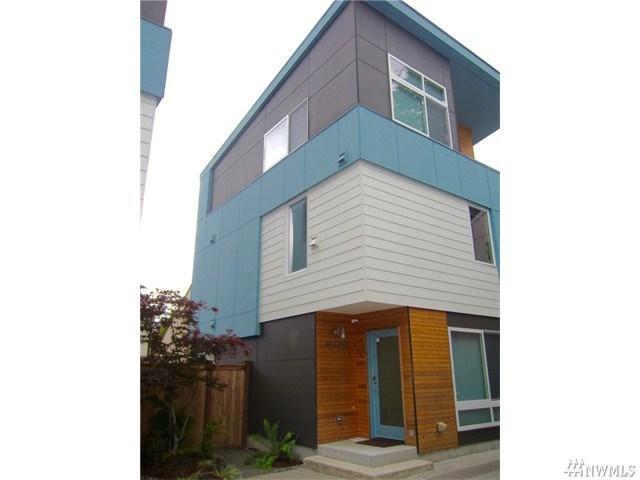 9729 Woodlawn Ave, Seattle WA 98103