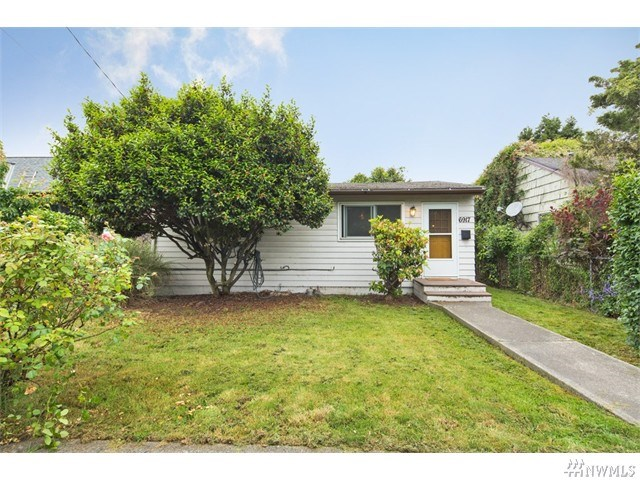 6917 Flora Ave, Seattle WA 98108