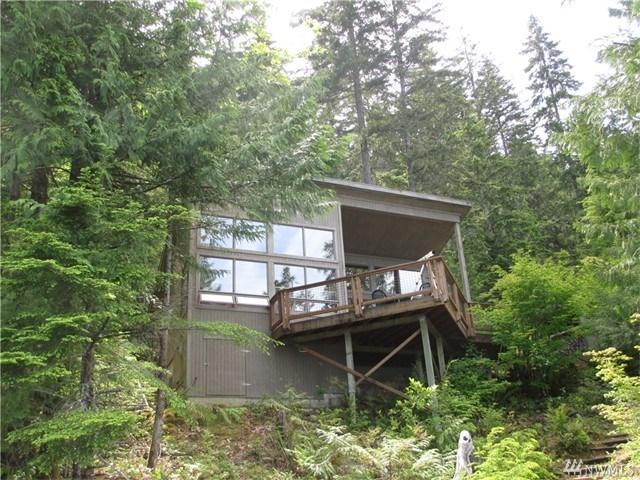 2700 W Cushman Ridge Dr Hoodsport, WA 98548