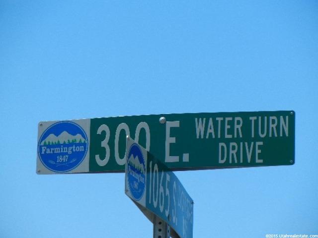 1026 Water Turn Dr, Farmington, UT