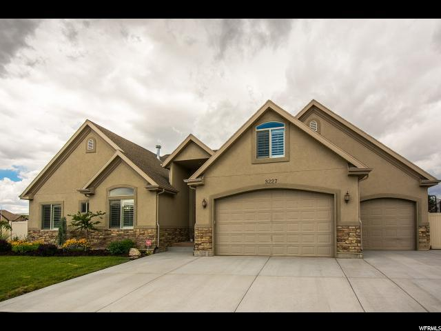 3227 Thorngrove Cir Riverton, UT 84065