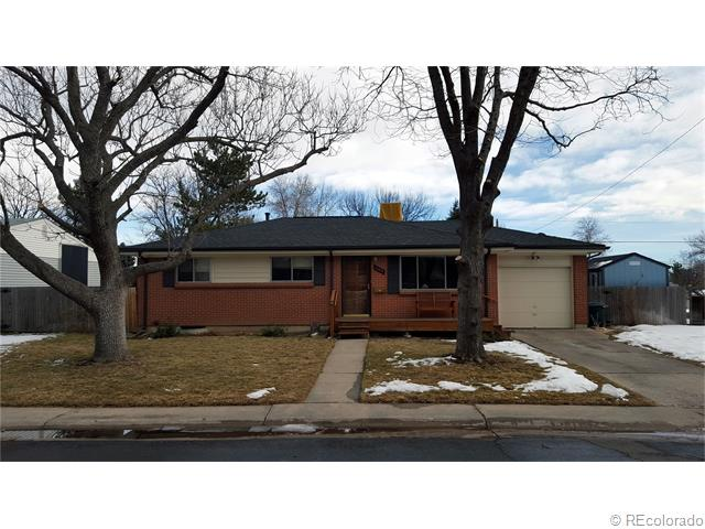 6084 Queen Ct, Arvada, CO